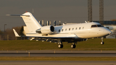 N605MM - Bombardier CL-600-2B16 Challenger 605 - Private