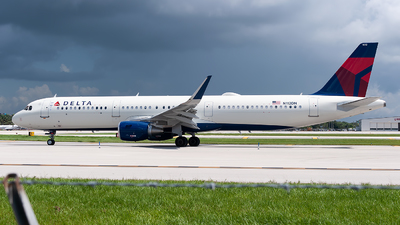 A picture of N112DN - Airbus A321211 - Delta Air Lines - © Mark Lawrence