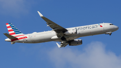 A picture of N122NN - Airbus A321231 - American Airlines - © Nito