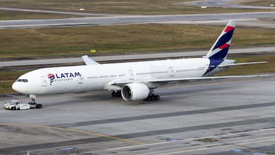 A picture of PTMUD - Boeing 77732W(ER) - LATAM Airlines - © Dotto
