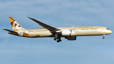 A picture of A6BME - Boeing 78710 Dreamliner - Etihad Airways - © Laszlo Fekete