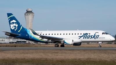 A picture of N637QX - Embraer E175LR - Alaska Airlines - © Logan m