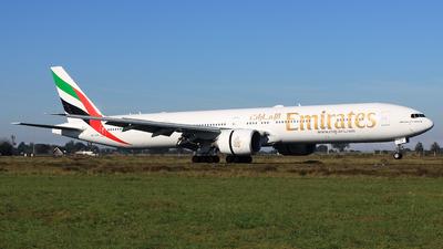 A6-EGK - Boeing 777-31HER - Emirates