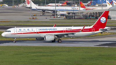 A picture of B8602 - Airbus A321211 - Sichuan Airlines - © XieTM