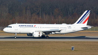 A picture of FHBNH - Airbus A320214 - Air France - © jeremy denton