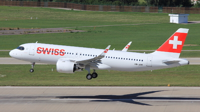 A picture of HBJDB - Airbus A320271N - Swiss - © Christoph Plank