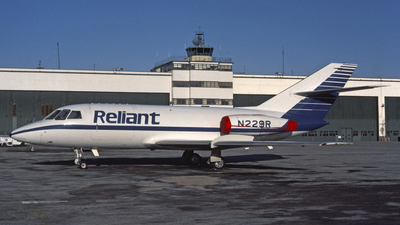 N229R - Dassault Falcon 20DC - Reliant Airlines