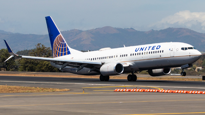 A picture of N77537 - Boeing 737824 - United Airlines - © Jussef_04