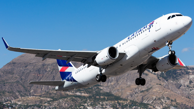 A picture of CCBFT - Airbus A320214 - LATAM Airlines - © Aldo Martinelli