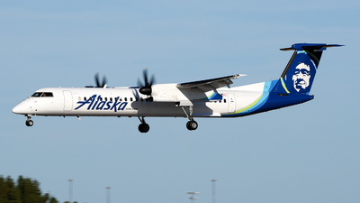 A picture of N444QX - De Havilland Canada Dash 8400 - Alaska Airlines - © JC