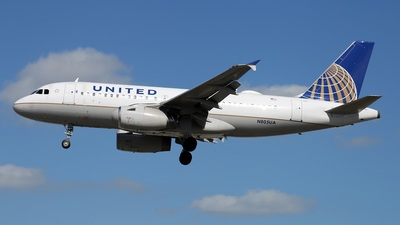 N805UA - Airbus A319-131 - United Airlines