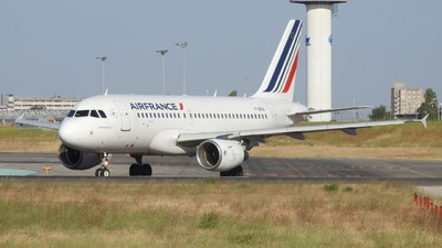 A picture of FGRXA - Airbus A319111 - Air France - © Rui J Pais