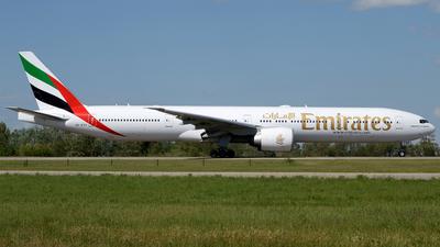 A picture of A6EGV - Boeing 77731H(ER) - Emirates - © Donato Bolelli