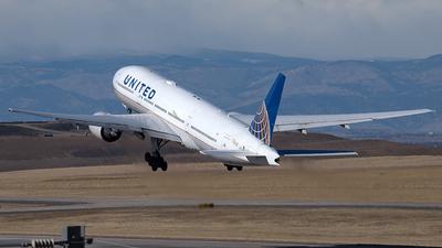 N213UA - Boeing 777-222 - United Airlines