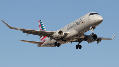 A picture of N249NN - Embraer E175LR - American Airlines - © Shon F