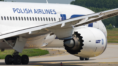 SP-LRE - Boeing 787-8 Dreamliner - LOT Polish Airlines