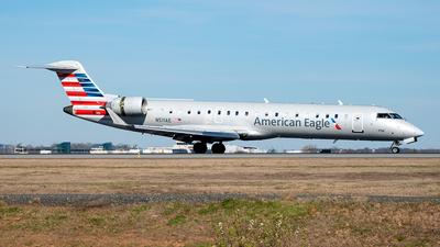 A picture of N511AE - Mitsubishi CRJ701ER - American Airlines - © Yan777