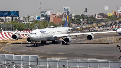 A picture of DAIHW - Airbus A340642 - [0972] - © Edmundo Iturralde