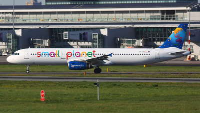 SP-HAU - Airbus A321-231 - Small Planet Airlines Polska