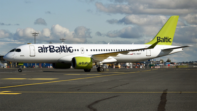 YL-AAT - Airbus A220-371 - Air Baltic