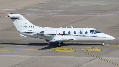 SP-TTA - Raytheon Hawker 400XP - Private