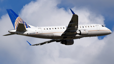 N642RW - Embraer 170-100SE - United Express (Shuttle America)