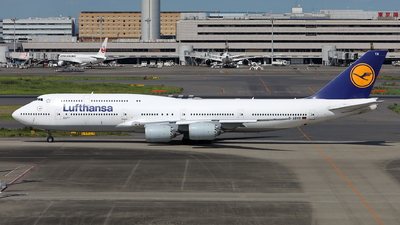 A picture of DABYR - Boeing 747830 - Lufthansa - © kouyagi