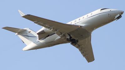 D-ABEY - Bombardier CL-600-2B16 Challenger 605 - JetAir Flug