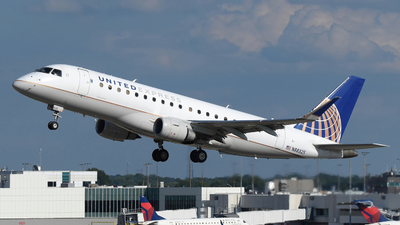 A picture of N88325 - Embraer E175LR - United Airlines - © DJ Reed - OPShots Photo Team