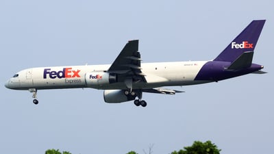 A picture of N946FD - Boeing 757236(SF) - FedEx - © M. Raykahn Ariga