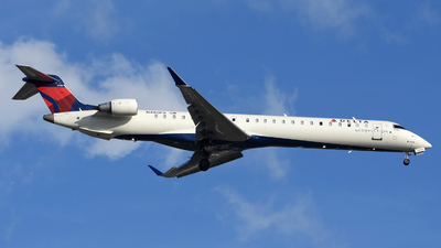 A picture of N480PX - Mitsubishi CRJ900LR - Delta Air Lines - © DJ Reed - OPShots Photo Team