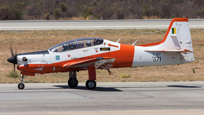FAB1371 - Embraer T-27 Tucano - Brazil - Air Force