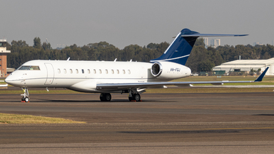 VH-FGJ - Bombardier BD-700-1A10 Global Express XRS - Private