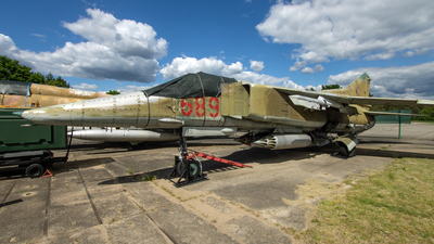 689 - Mikoyan-Gurevich MiG-23BN Flogger H - German Democratic Republic - Air Force