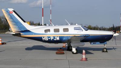 A picture of HBPJW - Piper PA46310P Malibu - [4608128] - © Łukasz Stawiarz