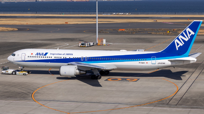 A picture of JA604A - Boeing 767381(ER) - All Nippon Airways - © Resupe