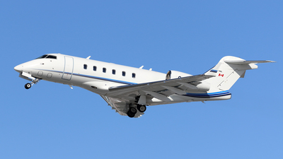 C-FSXR - Bombardier BD-100-1A10 Challenger 300 - Private