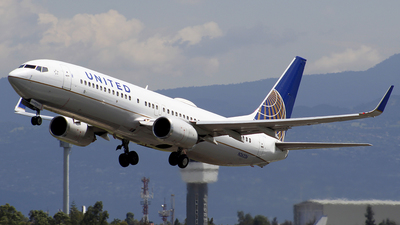 N26226 - Boeing 737-824 - United Airlines