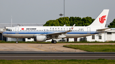 B-1687 - Airbus A320-214 - Air China