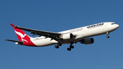 VH-QPC - Airbus A330-303 - Qantas