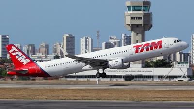 PT-XPD - Airbus A321-211 - TAM Linhas Aéreas