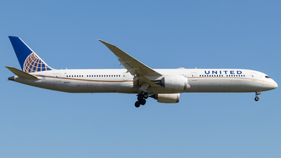 N12005 - Boeing 787-10 Dreamliner - United Airlines