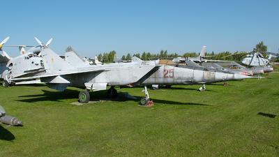 25 - Mikoyan-Gurevich MiG-25PU Foxbat - Soviet Union - Air Force