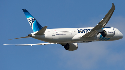 A picture of SUGEU - Boeing 7879 Dreamliner - EgyptAir - © Piotr Persona