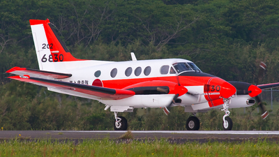 6830 - Beechcraft TC-90 King Air - Japan - Maritime Self Defence Force (JMSDF)