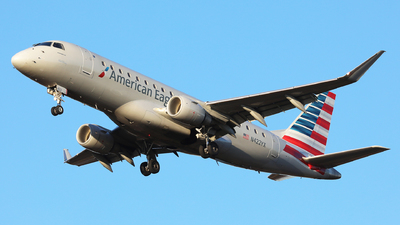 A picture of N422YX - Embraer E175LR - American Airlines - © h.giraff