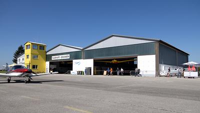 LOLU - Airport - Hangar