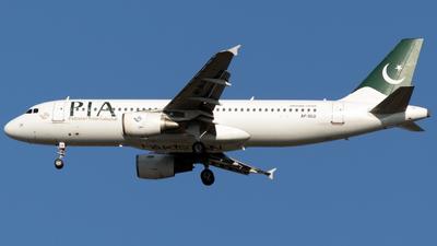AP-BLU - Airbus A320-214 - Pakistan International Airlines (PIA)