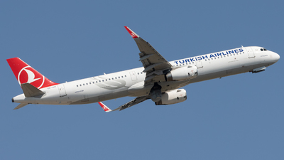 A picture of TCJTI - Airbus A321231 - Turkish Airlines - © JM Deza