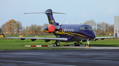 M-CLAB - Bombardier BD-100-1A10 Challenger 300 - Private